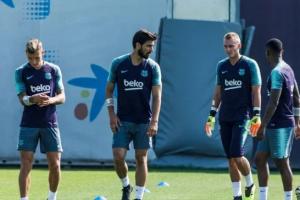برشلونة يريد التخلص من 7 لاعبين قبل خوض المباريات التحضيرية