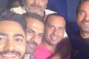 أصدقاء العمر يشاركون تامر حسني العرض الخاص لفيلم البدلة