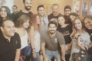 الفنانة راندا البحيري تعيد نشر صورة سيلفي مع أبطال فيلم البدلة