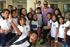 ماجد المصري يحتفل بعيد ميلاد نجله وسط أصدقائه في المدرسة