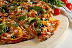 طريقة بيتزا الخضار الصحية التي تصلح للأطفال والدايت