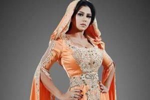 رانيا يوسف بالقفطان المغربي بعد أزمة الفستان العاري