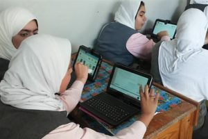طلاب أولى ثانوي يؤدون اليوم امتحان الفلسفة والمنطق