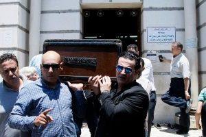 جدل الواسع عبر موقع فيس بوك حول جنازة نجلة رشدي أباظة