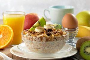 تعرف على .. أفضل 10 أطعمة لوجبة الفطور