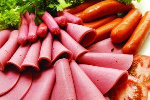"""اللحوم المُصنعة التي تحتوي على مادة """"النتريت"""" قد تؤدي للإصابة بالسرطان"""