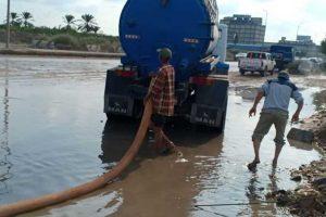 المحليات: استمرار حالة الطوارئ لرفع مياه الأمطار