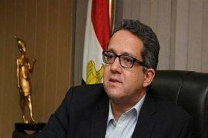 وزير السياحة يحذر من قرار تسريح العمالة