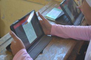استغاثة طالبات اولى ثانوي من امتحان الرياضيات عبر فيسبوك